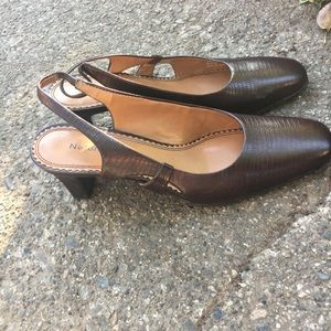 Women's naturalizer sandals